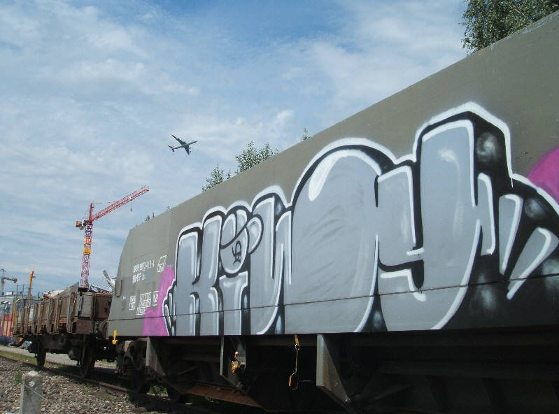 KIWY zurich graffiti rebel art KIWY graffiti freight car zurich switzerland KIWY graffiti in der schweiz